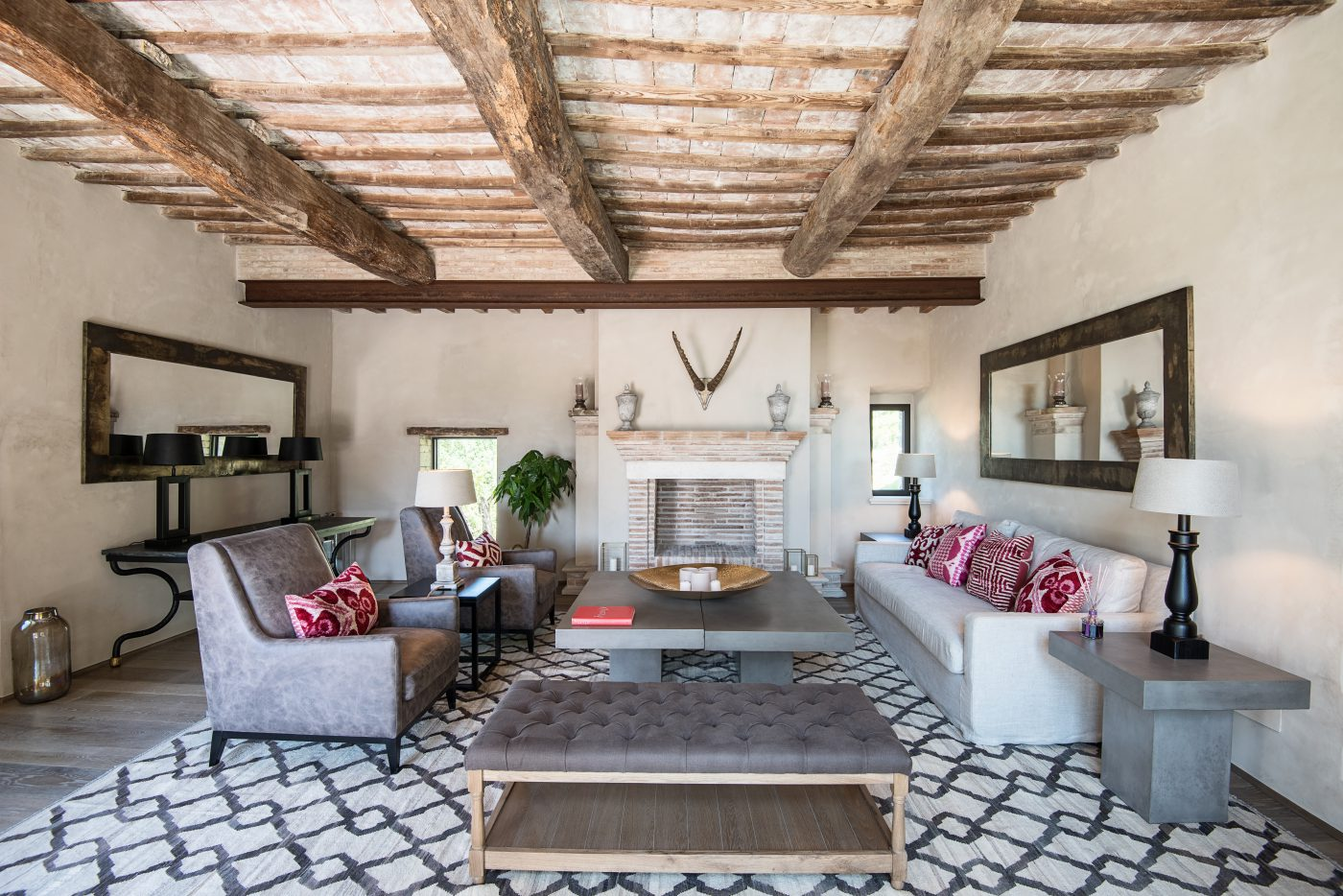 Interior design tenuta di murlo