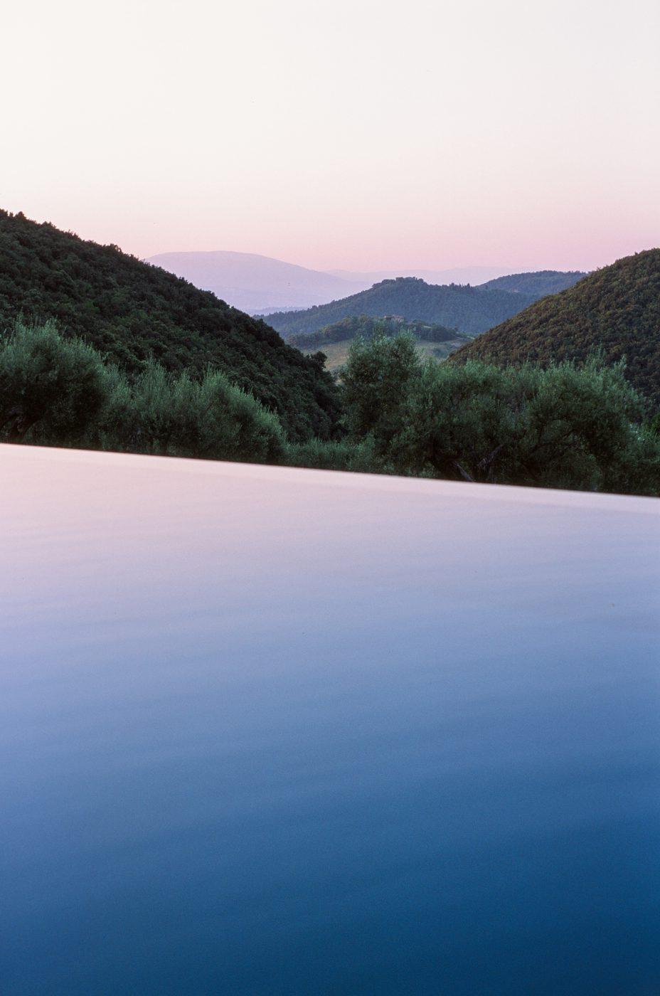 dawn in umbria from tenuta di murlo pool