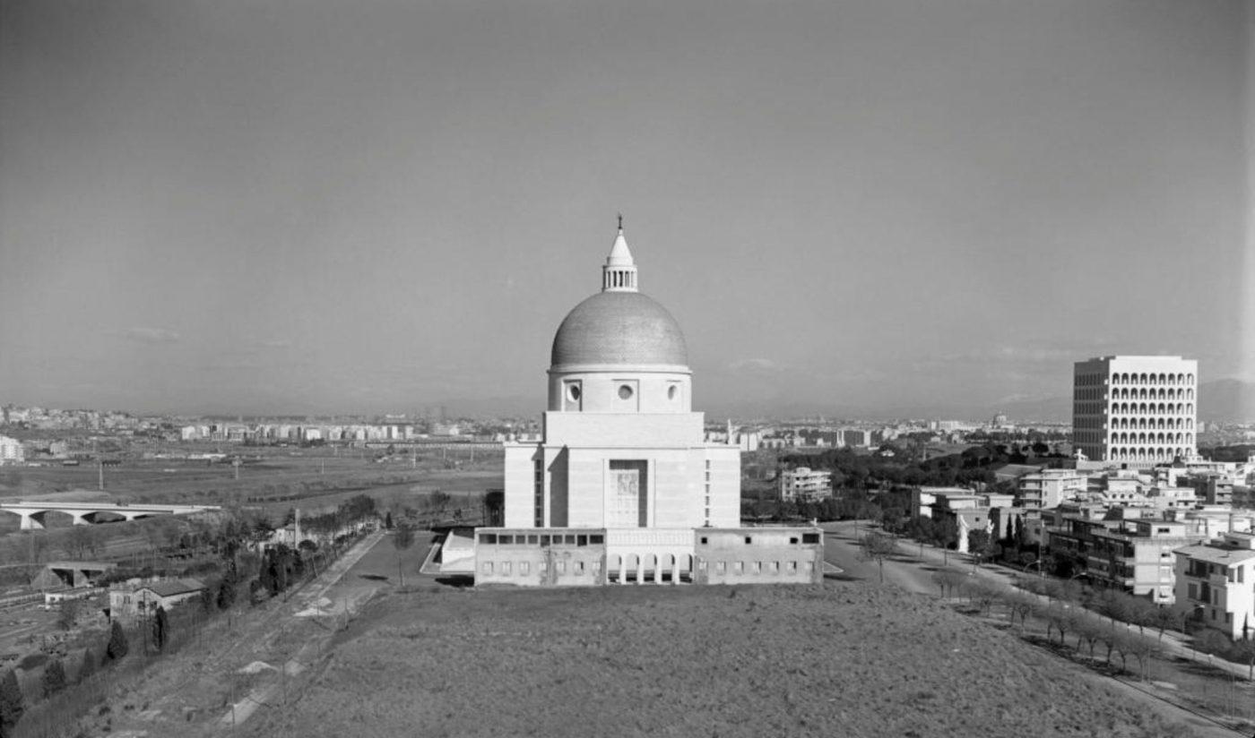 Rome's Futuristic City EUR, Basilica parrocchiale dei Santi Pietro e Paolo