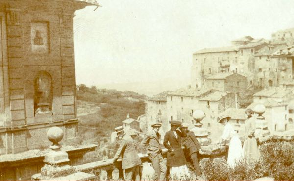 The Castelli Romani are a cluster of towns south of Rome that are known for their regional cuisine and for their vineyards.