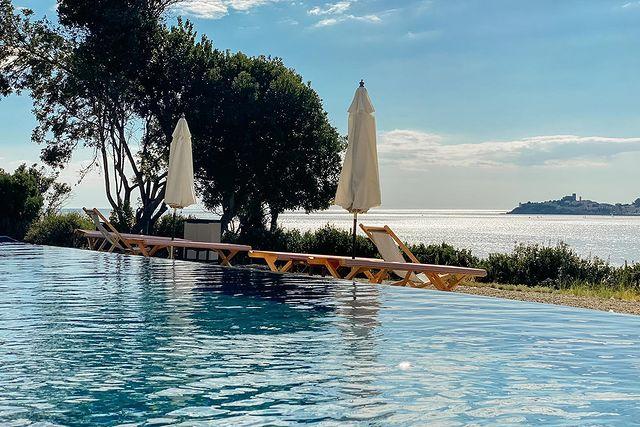 Swimming pool villa talamo