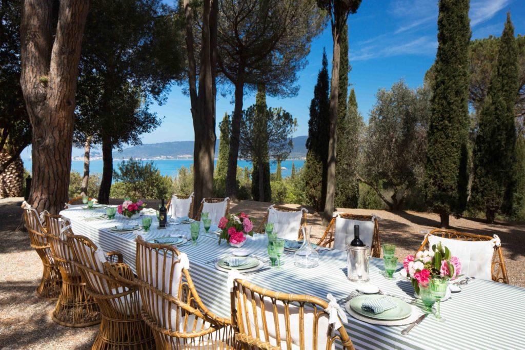 table at villa talamo