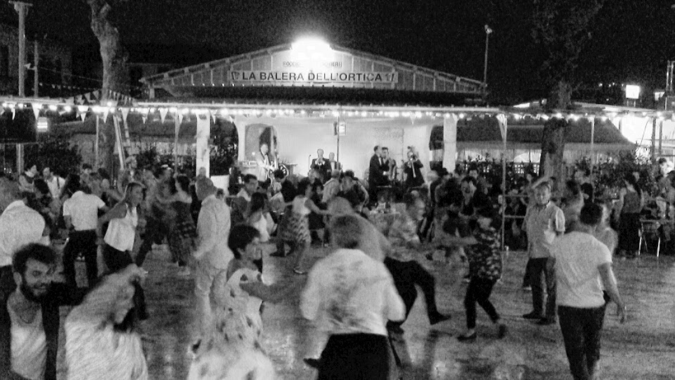 La Balera is democratic, the dance is democratic. And (re)unites everyone.