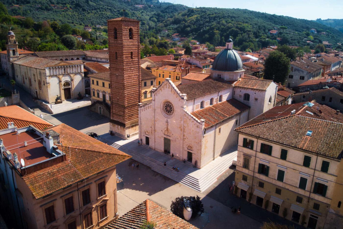 Tuscan Coast Between History, Sea and Wine - Pietrasanta