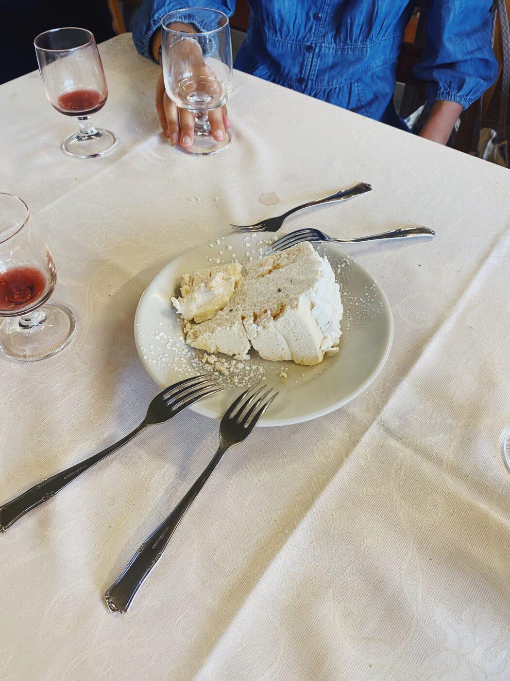 Meringue Cake Florence